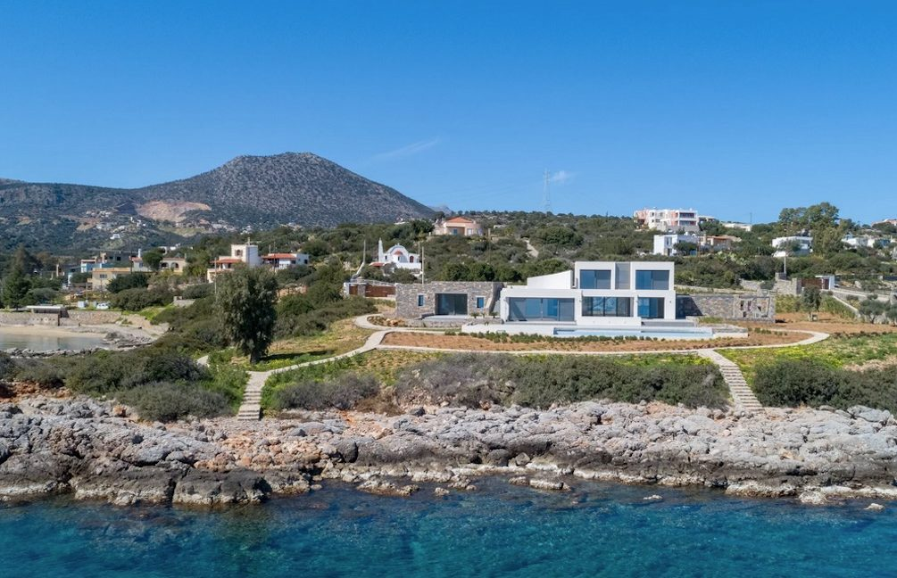 Beachfront Luxury Villa in Crete, Agios Nikolaos. Luxury Beachfront Property in Crete, Seafront Villa Crete for Sale, Luxury Estate in Crete 1