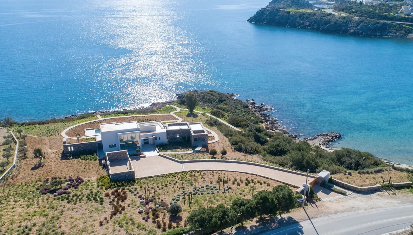 Beachfront Luxury Villa in Crete, Agios Nikolaos