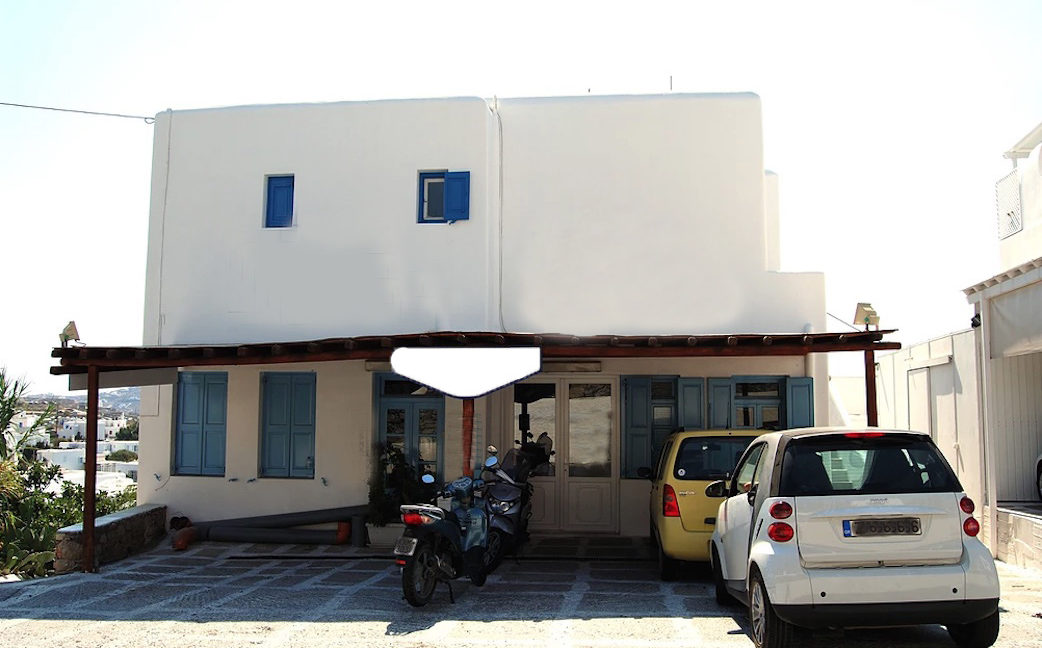 Commercial Property in Mykonos, at the busiest Road of Mykonos Town. Property for sale in Mykonos Town, Mykonos Chora Commercial Building 3