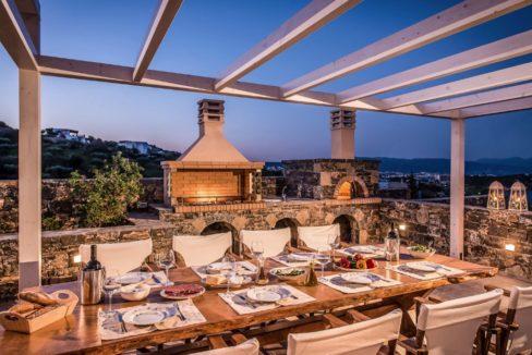 Luxury Villa in Agios Nikolaos Crete, by the sea. Villas for Sale in Crete, Seafront Villas in Crete, Luxury Estate Crete 1