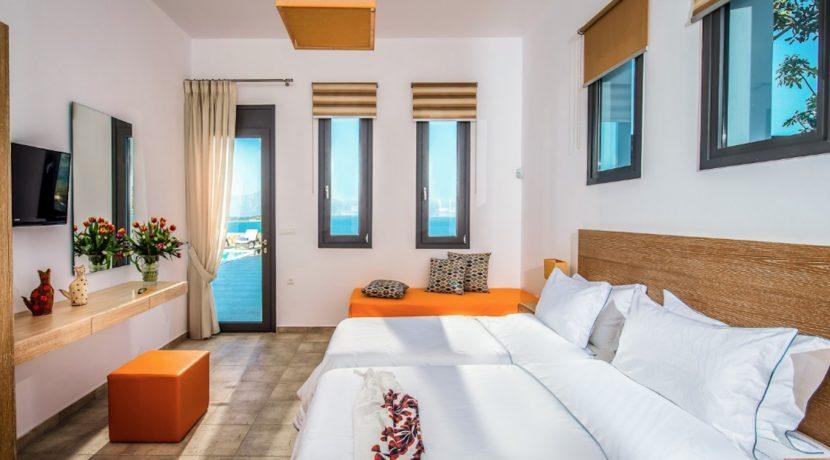 Luxury Villa in Agios Nikolaos Crete, by the sea. Villas for Sale in Crete, Seafront Villas in Crete, Luxury Estate Crete 10