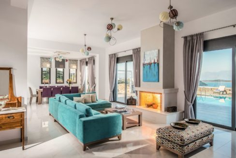 Luxury Villa in Agios Nikolaos Crete, by the sea. Villas for Sale in Crete, Seafront Villas in Crete, Luxury Estate Crete 15