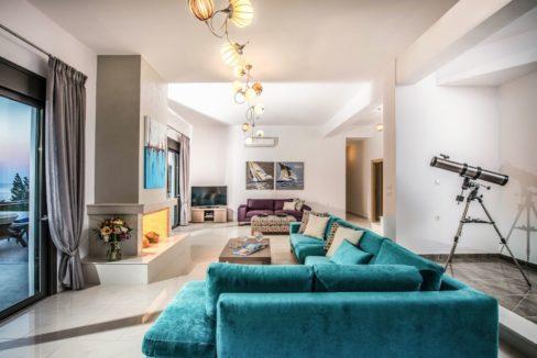 Luxury Villa in Agios Nikolaos Crete, by the sea. Villas for Sale in Crete, Seafront Villas in Crete, Luxury Estate Crete 16