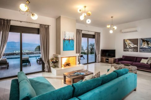 Luxury Villa in Agios Nikolaos Crete, by the sea. Villas for Sale in Crete, Seafront Villas in Crete, Luxury Estate Crete 17