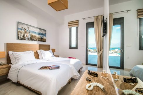 Luxury Villa in Agios Nikolaos Crete, by the sea. Villas for Sale in Crete, Seafront Villas in Crete, Luxury Estate Crete 8