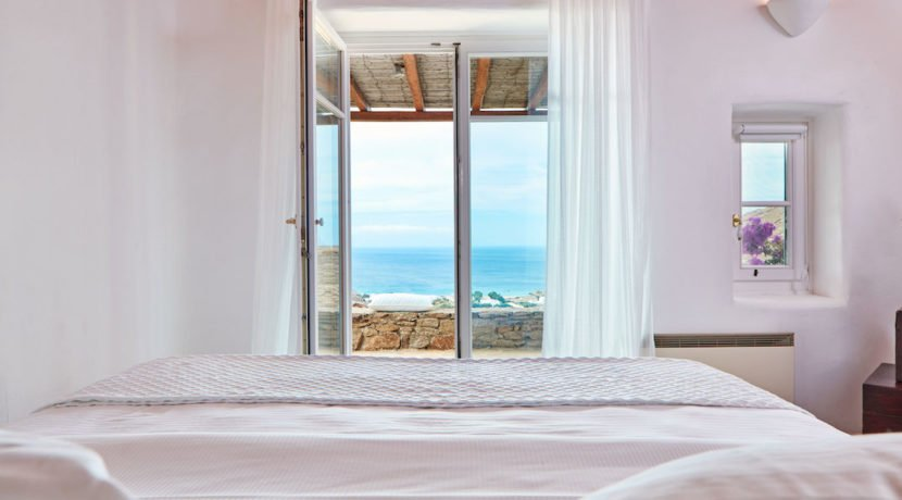 Luxury villa in Mykonos with 10,000 sqm land. Mykonos Villas, Luxury Villa for Sale in Mykonos, Mykonos Luxury Villas, Real Estate Mykonos, Agrari 13