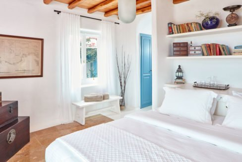 Luxury villa in Mykonos with 10,000 sqm land. Mykonos Villas, Luxury Villa for Sale in Mykonos, Mykonos Luxury Villas, Real Estate Mykonos, Agrari 14