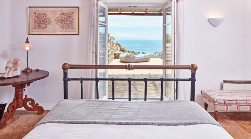 Luxury villa in Mykonos with 10,000 sqm land. Mykonos Villas, Luxury Villa for Sale in Mykonos, Mykonos Luxury Villas, Real Estate Mykonos, Agrari 15