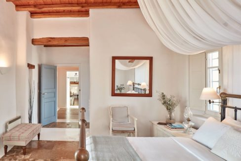 Luxury villa in Mykonos with 10,000 sqm land. Mykonos Villas, Luxury Villa for Sale in Mykonos, Mykonos Luxury Villas, Real Estate Mykonos, Agrari 16