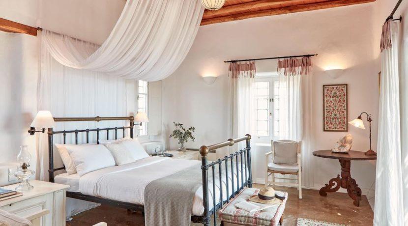 Luxury villa in Mykonos with 10,000 sqm land. Mykonos Villas, Luxury Villa for Sale in Mykonos, Mykonos Luxury Villas, Real Estate Mykonos, Agrari 17