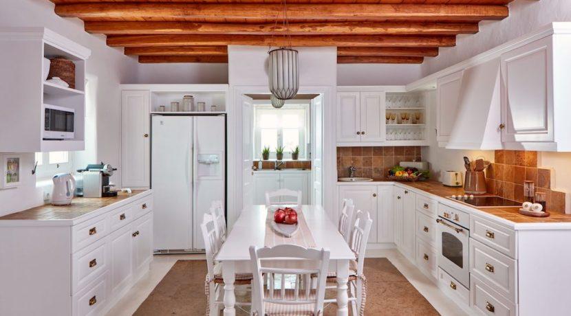 Luxury villa in Mykonos with 10,000 sqm land. Mykonos Villas, Luxury Villa for Sale in Mykonos, Mykonos Luxury Villas, Real Estate Mykonos, Agrari 18