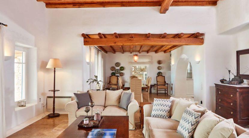 Luxury villa in Mykonos with 10,000 sqm land. Mykonos Villas, Luxury Villa for Sale in Mykonos, Mykonos Luxury Villas, Real Estate Mykonos, Agrari 24