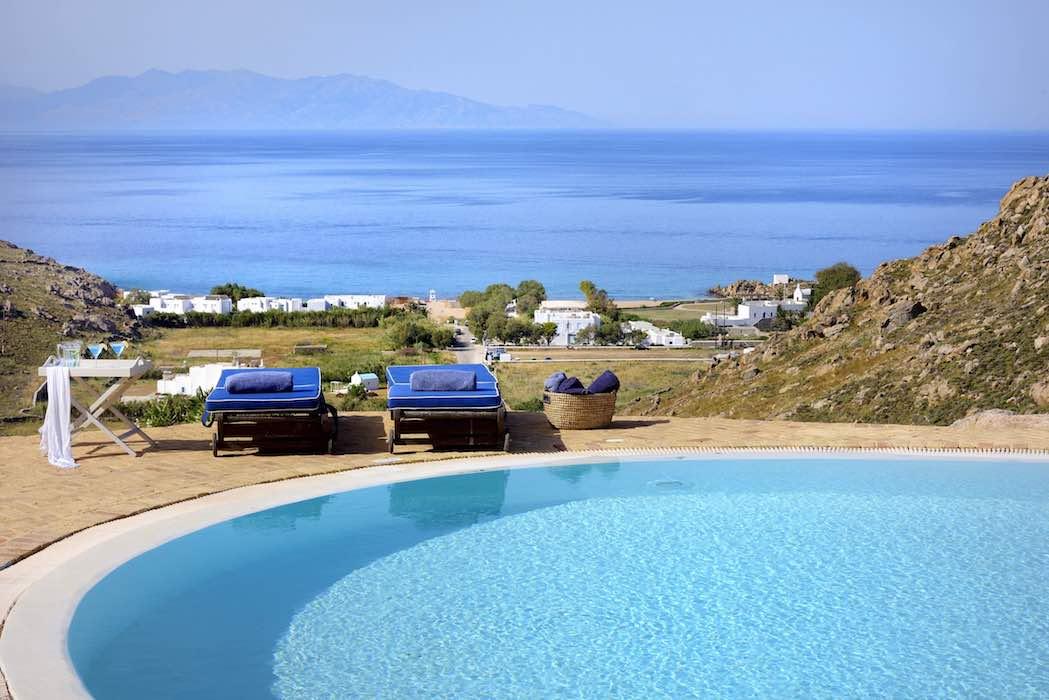 Luxury villa in Mykonos with 10,000 sqm land, Agrari