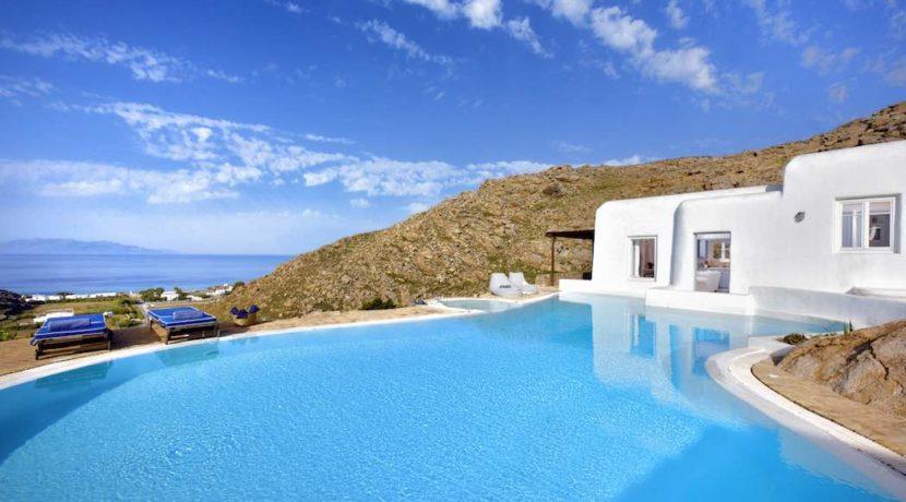 Luxury villa in Mykonos with 10,000 sqm land. Mykonos Villas, Luxury Villa for Sale in Mykonos, Mykonos Luxury Villas, Real Estate Mykonos, Agrari 37