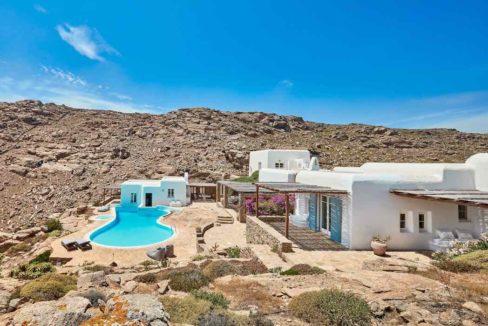 Luxury villa in Mykonos with 10,000 sqm land. Mykonos Villas, Luxury Villa for Sale in Mykonos, Mykonos Luxury Villas, Real Estate Mykonos, Agrari 38