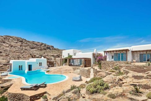 Luxury villa in Mykonos with 10,000 sqm land. Mykonos Villas, Luxury Villa for Sale in Mykonos, Mykonos Luxury Villas, Real Estate Mykonos, Agrari 39