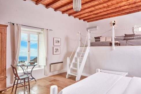 Luxury villa in Mykonos with 10,000 sqm land. Mykonos Villas, Luxury Villa for Sale in Mykonos, Mykonos Luxury Villas, Real Estate Mykonos, Agrari 4