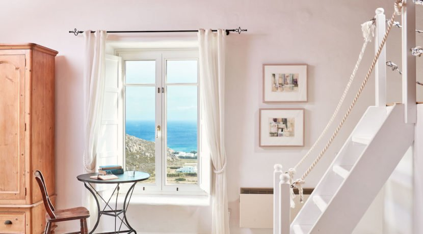 Luxury villa in Mykonos with 10,000 sqm land. Mykonos Villas, Luxury Villa for Sale in Mykonos, Mykonos Luxury Villas, Real Estate Mykonos, Agrari 5