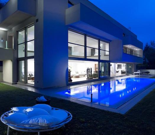 Luxury villa in North Athens, Dionisos area. Luxury Villas in North Athens, Villas in Athens, Luxury Property in Athens, Villa with Pool for Sale in Attica 3