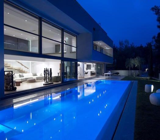 Luxury villa in North Athens, Dionisos area. Luxury Villas in North Athens, Villas in Athens, Luxury Property in Athens, Villa with Pool for Sale in Attica 4