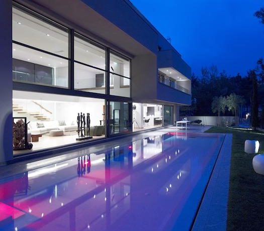 Luxury villa in North Athens, Dionisos area. Luxury Villas in North Athens, Villas in Athens, Luxury Property in Athens, Villa with Pool for Sale in Attica 5