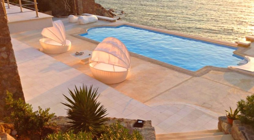 Mykonos Villa in Aleomandra, Agios Ioannis Diakoftis FOR SALE. Mykonos Villas for Sale, Luxury Villas in Mykonos for Sale, Property in Mykonos for Sale 22