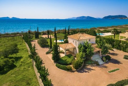 NEW Seafront Villa in Peloponnese, Beachfront Property in Porto Heli. Buy this luxury Villa at the most cosmopolitan spot in Greece. Porto Heli Real Estate 3