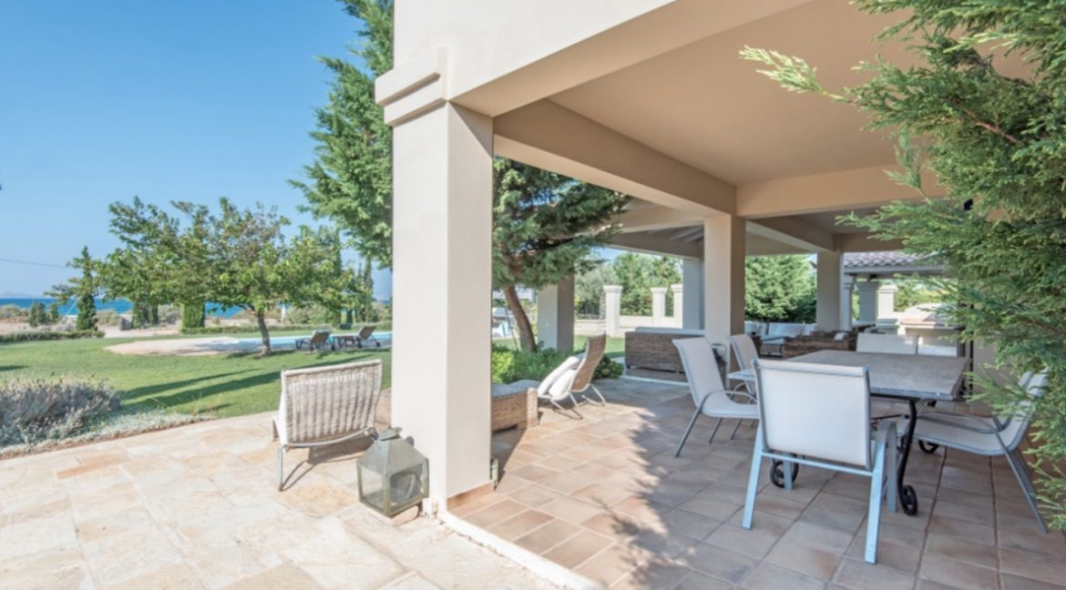 NEW Seafront Villa in Peloponnese, Beachfront Property in Porto Heli. Buy this luxury Villa at the most cosmopolitan spot in Greece. Porto Heli Real Estate 5