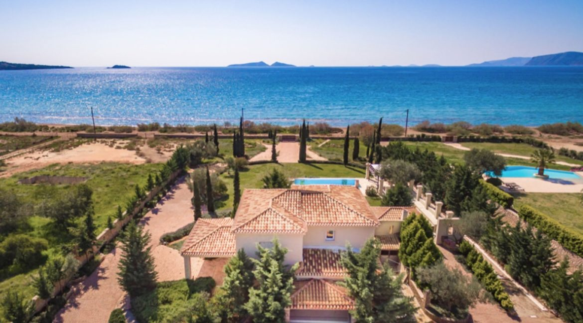 NEW Seafront Villa in Peloponnese, Beachfront Property in Porto Heli. Buy this luxury Villa at the most cosmopolitan spot in Greece. Porto Heli Real Estate 9