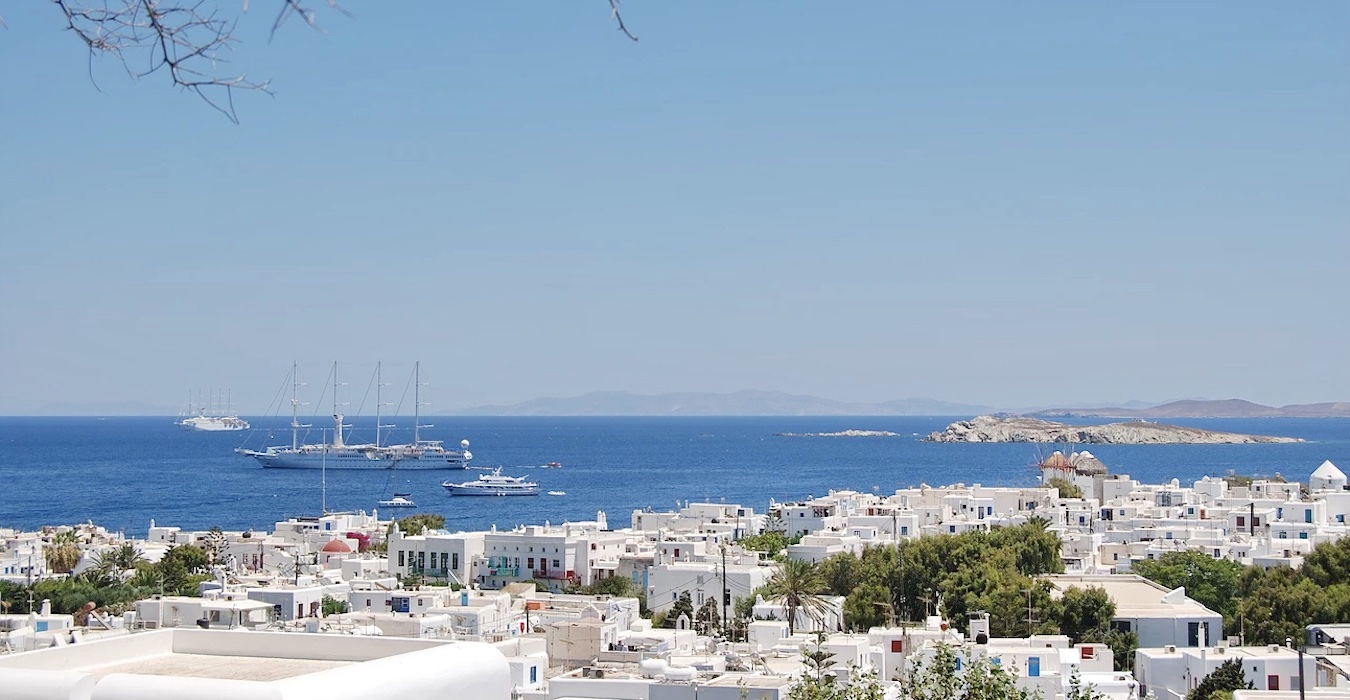 Traditional 2 levels Villa with sea view in Mykonos Center