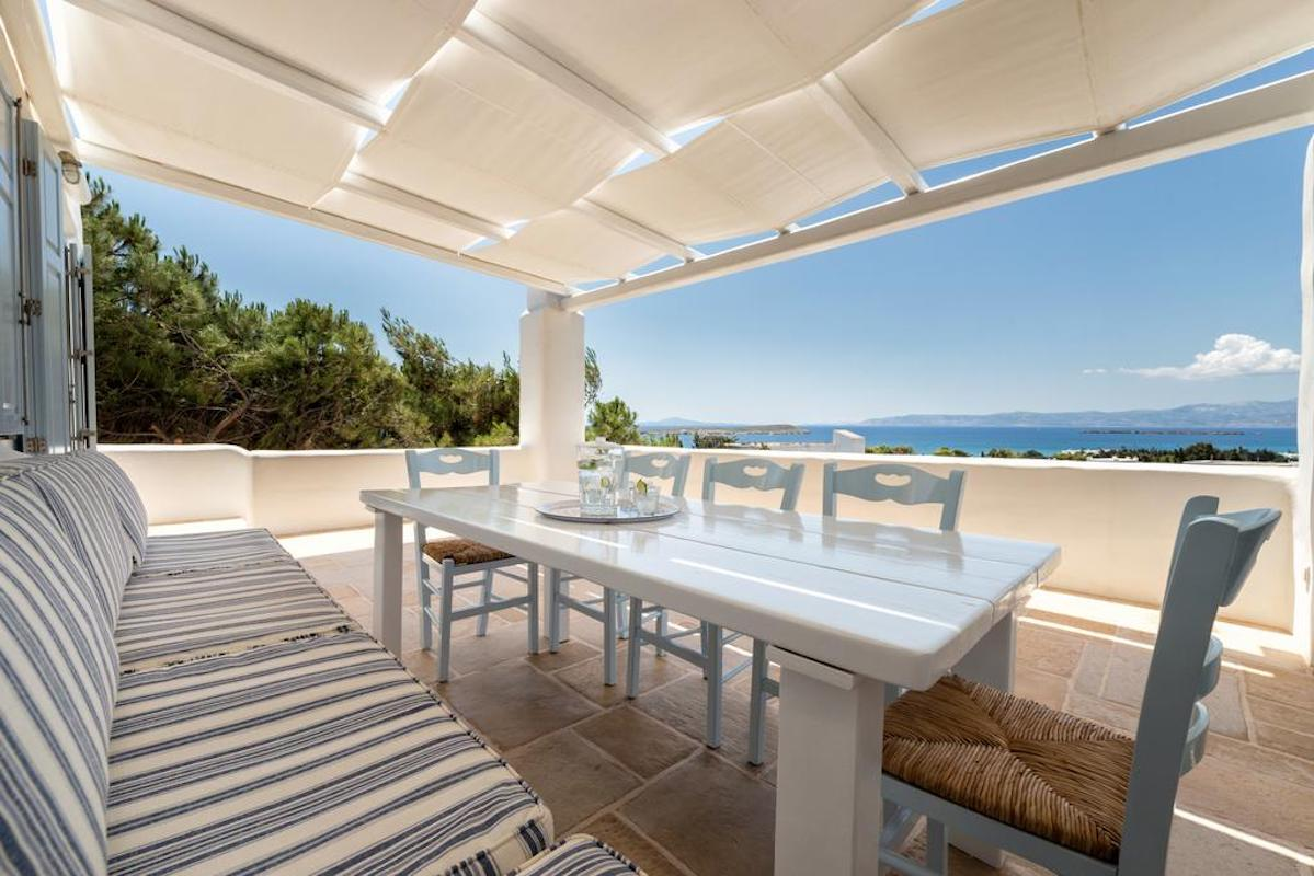 Villa in Paros 500 meters from the beach