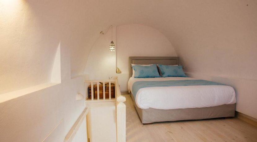 Villa in Santorini, Property in Akrotiri Santorini, Villas in Santorini, Property in Santorini, Santorini Real Estate, Santorini Greece Homes 10
