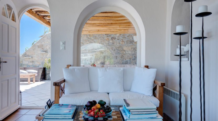 Waterfront Luxury Villa in Mykonos. Mykonos estates, elite estates Mykonos, Luxury Estate Mykonos, Seafront Villa Mykonos, Mykonos Villas 10