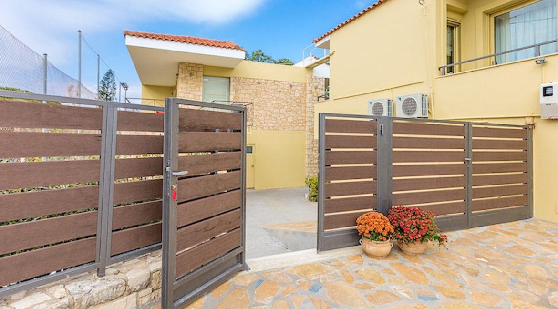 Beautiful Villa near the sea in Crete 1