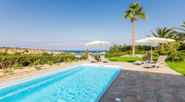 Beautiful Villa near the sea in Crete 3