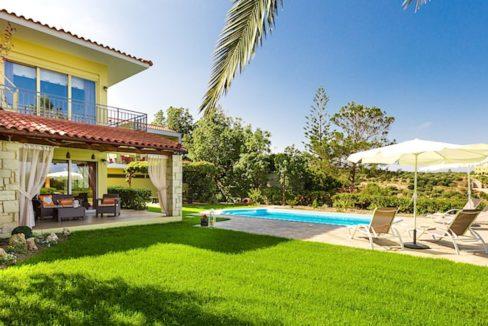 Beautiful Villa near the sea in Crete 4