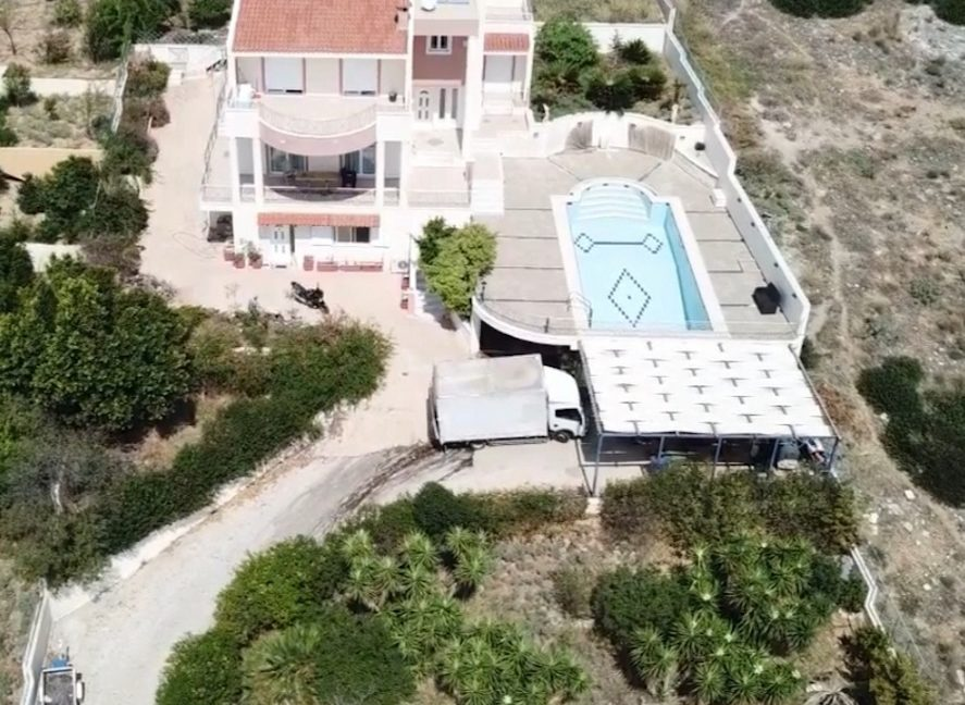 Excellent Villa by the sea near Athens, Seafront Villa in Attica, Buy Villa in Athens, Buy Villa near Athens, Sea View Property in Athens 5