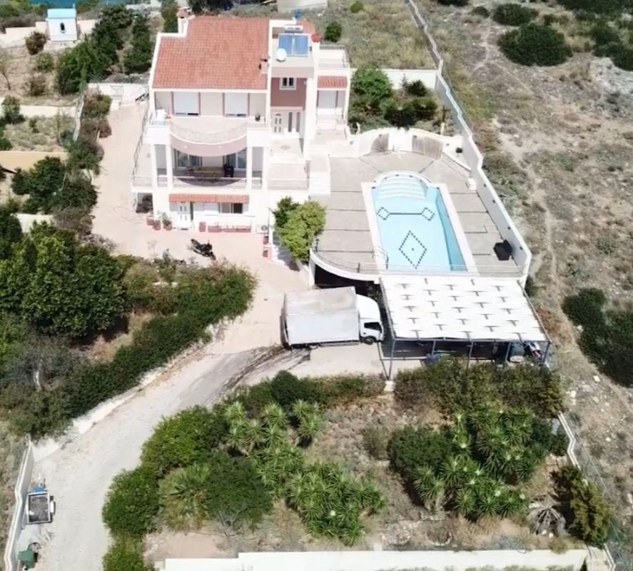 Excellent Villa by the sea near Athens, 30 minutes from Athens