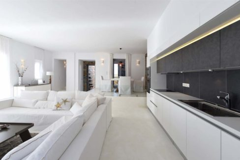 House for Sale in Paros, Paros Home for Sale, Real Estate in Paros, House in Greece for sale, Greek Properties for Sale, Property Paros Greece 24
