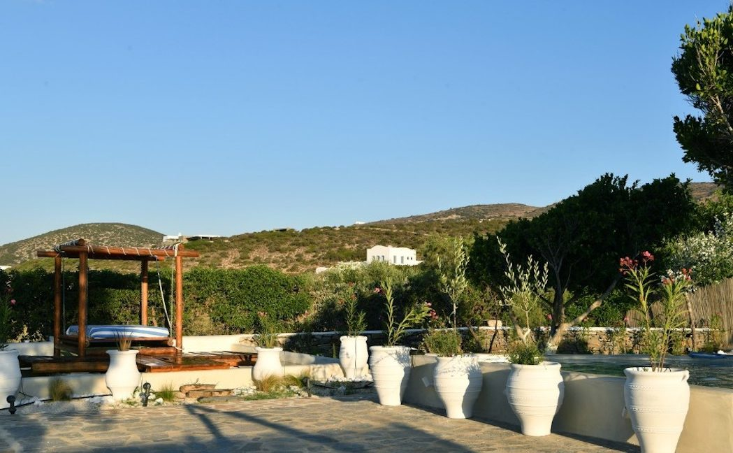 House for sale in Paros on the Beach - Beachfront Villa Paros Greece, Seafront villas in Greece, Property on the Beach Paros 15
