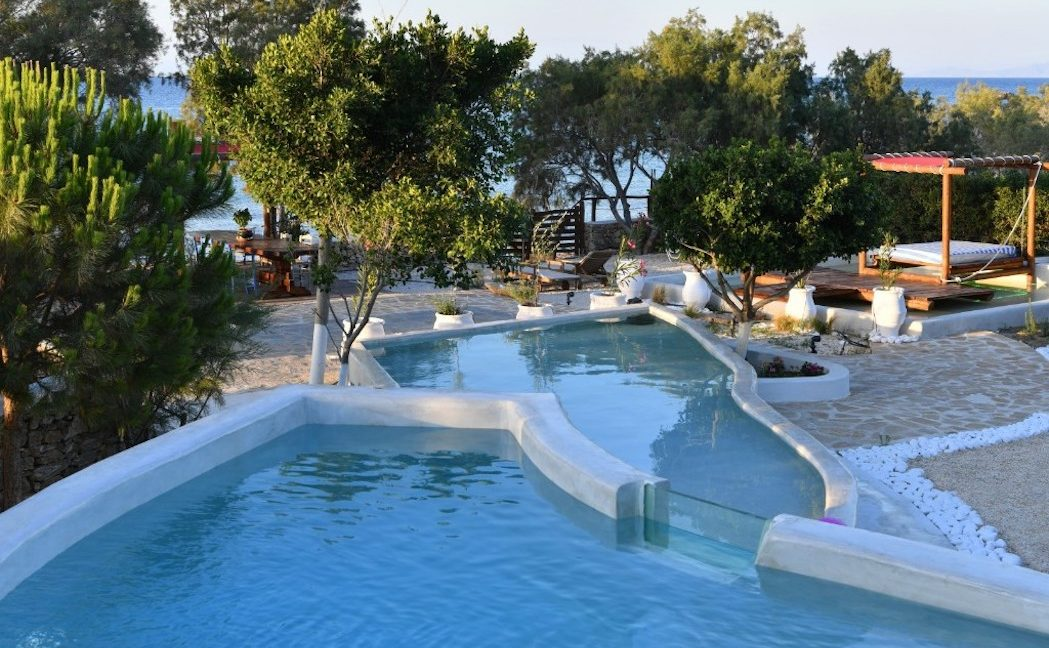 House for sale in Paros on the Beach - Beachfront Villa Paros Greece, Seafront villas in Greece, Property on the Beach Paros 16