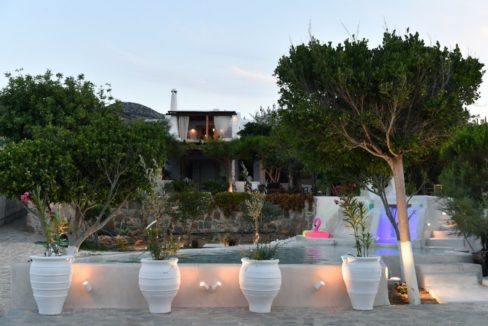 House for sale in Paros on the Beach - Beachfront Villa Paros Greece, Seafront villas in Greece, Property on the Beach Paros 17
