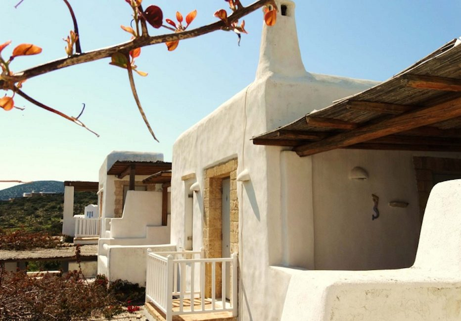 House for sale in Paros on the Beach - Beachfront Villa Paros Greece, Seafront villas in Greece, Property on the Beach Paros 4