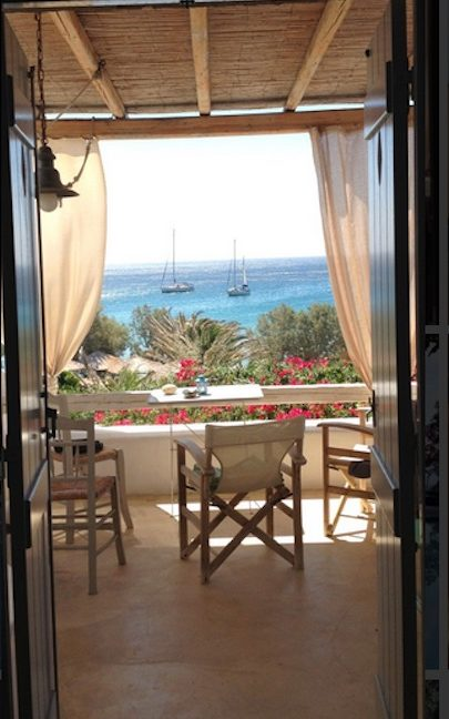 House for sale in Paros on the Beach - Beachfront Villa Paros Greece, Seafront villas in Greece, Property on the Beach Paros 5