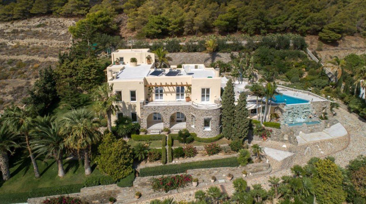 Unique luxury home in Paros