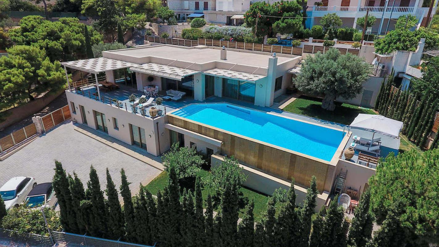 Luxury villa in Lagonisi Athens