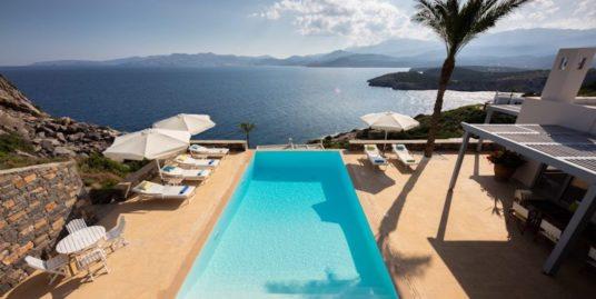 Luxury villa with swimming pool with great sea views in Crete, Agios Nikolaos