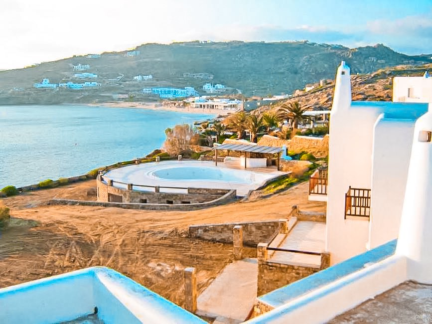 Seafront Property of 1.000 square meters in Mykonos