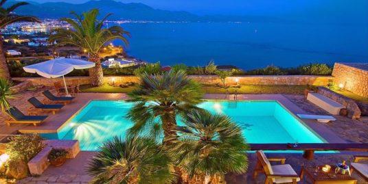 Property in Hersonissos Crete, Villa by the sea in Crete