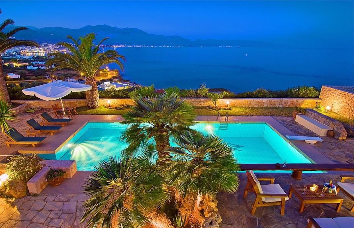 Property in Hersonissos Crete, Villa by the sea in Crete